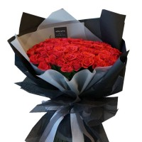LUXURY COLLECTION: 38 RED ROSES in black stylish wrapping