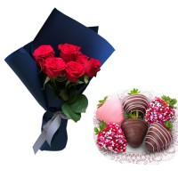 Red Roses in a new style with Chocolate covered strawberries (S)