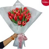 VALENTINE'S COLLECTION: 18 Red/Pink Fresh Tulip Bouquet