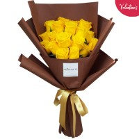 VALENTINE'S COLLECTION: 18 Luxury Yellow Roses in a dark Brown wrapping