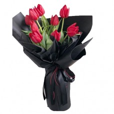 Mon Amour: Stunning Red Tulips in black wrapping