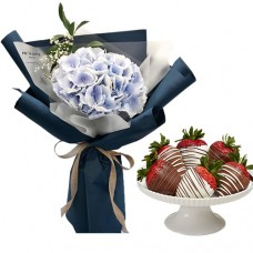 AMORE COLLECTION2: Stylish Hydrangea bouquet with chocolate covered strawberries