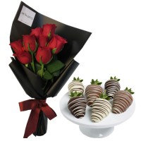 SYMPHONY COLLECTION: Red Roses in black wrapp and Chocolate dipped Strawberries