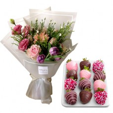 SEPTEMBER COLLECTION: Luxury Bouquet of Mix colors with Chocolate Strawberries