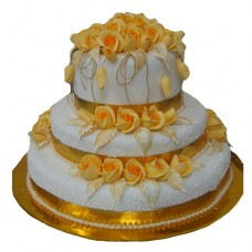 GOLDEN ROSES WEDDING CAKE
