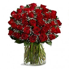 Dancing Queen: Red Roses Bouquet in Vase