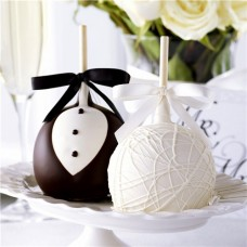 BRIDE AND GROOM PETITE CHOCOLATE DIPPED APPLE